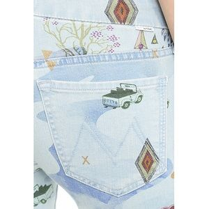 MOTHER Jeans - MOTHER The Looker in ✨Magic By Moonrise✨